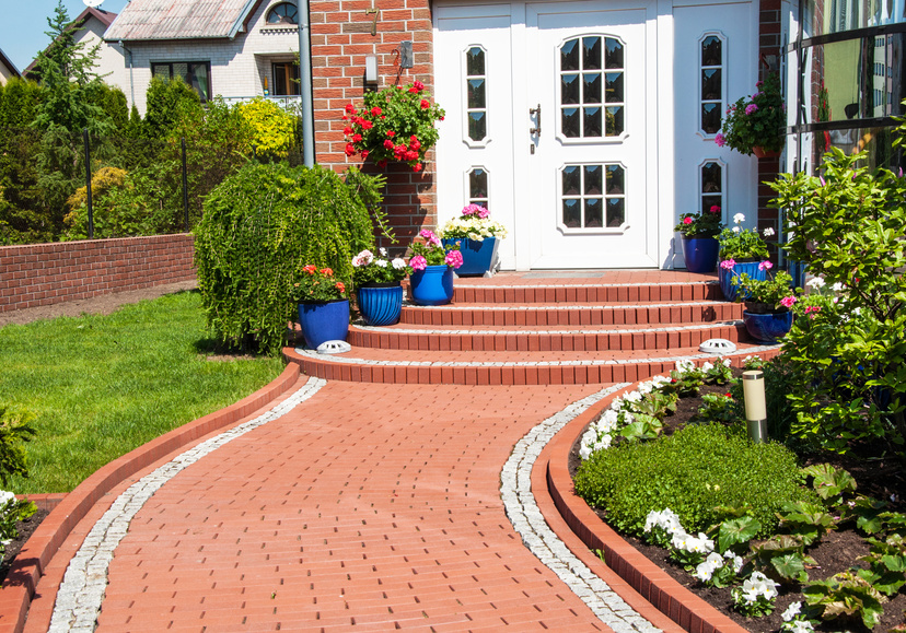 Dom z pięknym ogrodem