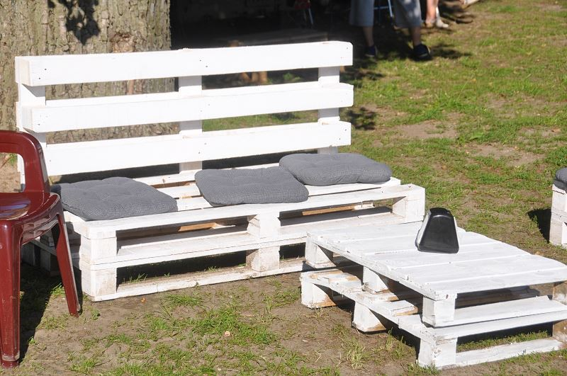 Meble ogrodowe z palet - pomysły, sposoby wykonania, porady 2