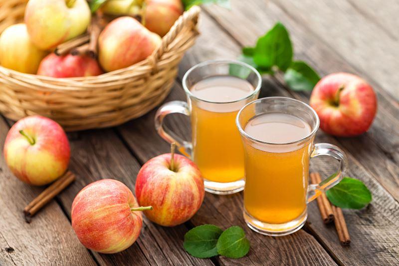 Nalewka z jabłek – najlepsze przepisy na nalewkę jabłkową na spirytusie 2