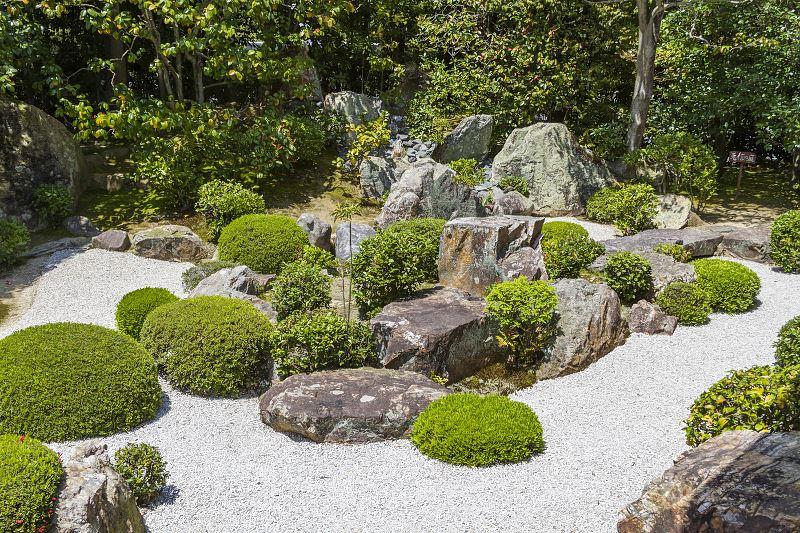 Jak zrobić skalniak z kamieni - porady i instrukcja krok po kroku 2
