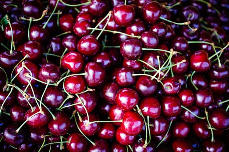 Dojrzałe owoce czereśni