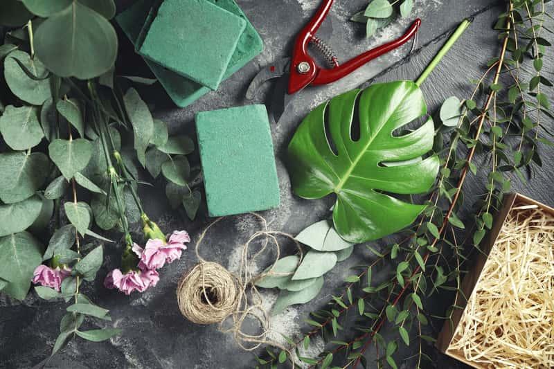 Gąbka florystyczna - rodzaje, ceny, zastosowanie, użycie krok po kroku