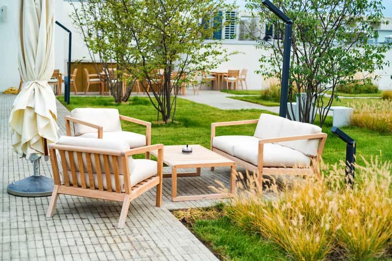 Nowoczesne meble ogrodowe - przegląd ofert sklepów, ceny, opinie klientów