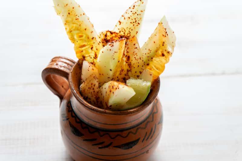 Ogórki z chili - sprawdzone przepisy na ogórki w zalewie i z dodatkami