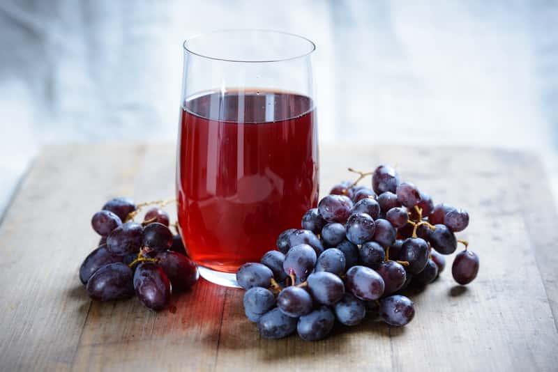 Sok z winogron – najlepsze przepisy na sok winogronowy krok po kroku