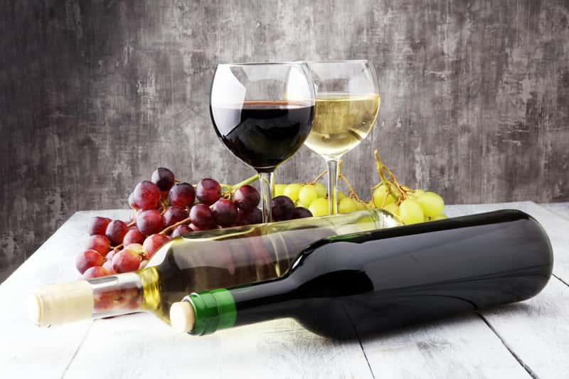 Wino domowe z jasnego i ciemnego winogrona