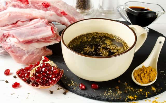 Jak przygotować zalewę do peklowania mięsa krok po kroku?