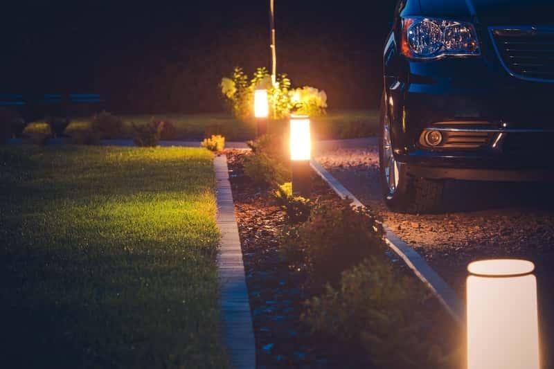 Oświetlenie ogrodowe lampami LED - jak uzyskać najlepszy efekt, ciekawe pomysły zastosoawnia lamp LED, projekty, dobór - porady