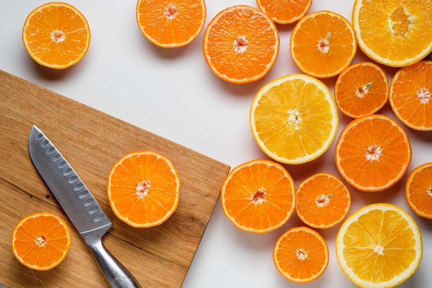 Przygotowanie nalewki z mandarynek z wódką nie jest trudne. Nalewkę mandarynkową można zrobić z samych skórek.