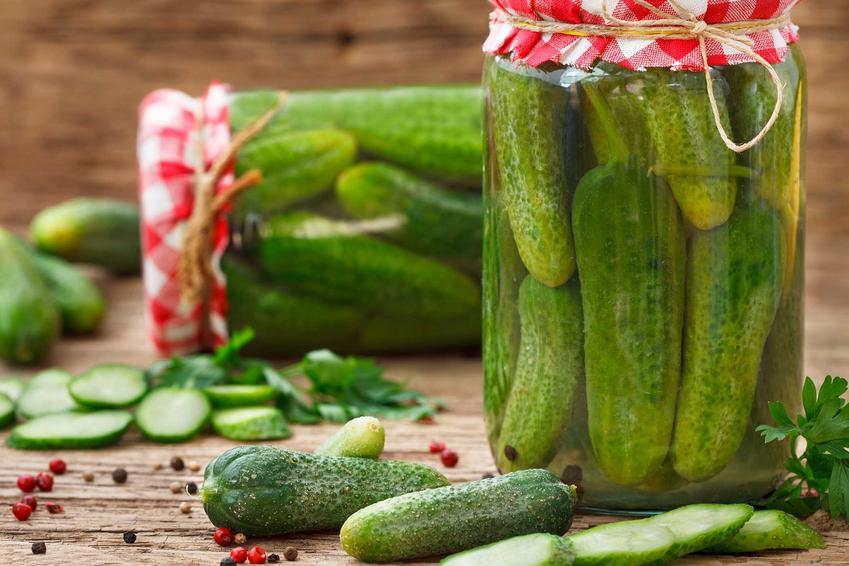 Ogórki konserwowe w słoikach oraz najlepszy przepis na ogórki konserwowe w zalewie octowej w domowym wydaniu