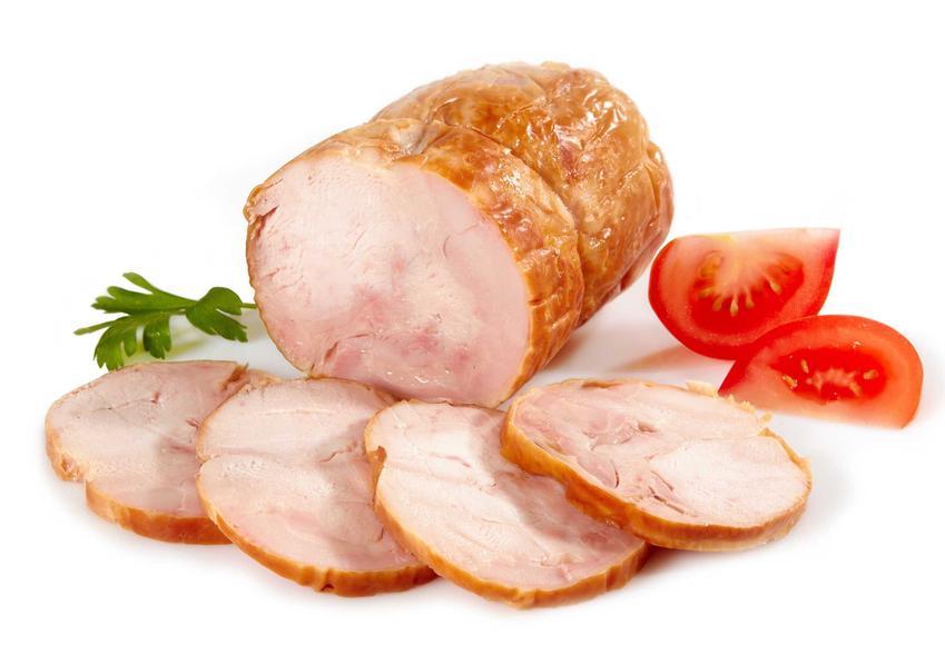 Drobiowe mięso z szynkowara, czyli tak zwana drobiowa szynka w szynkowarze oraz przepisy na mięso z szynkowara
