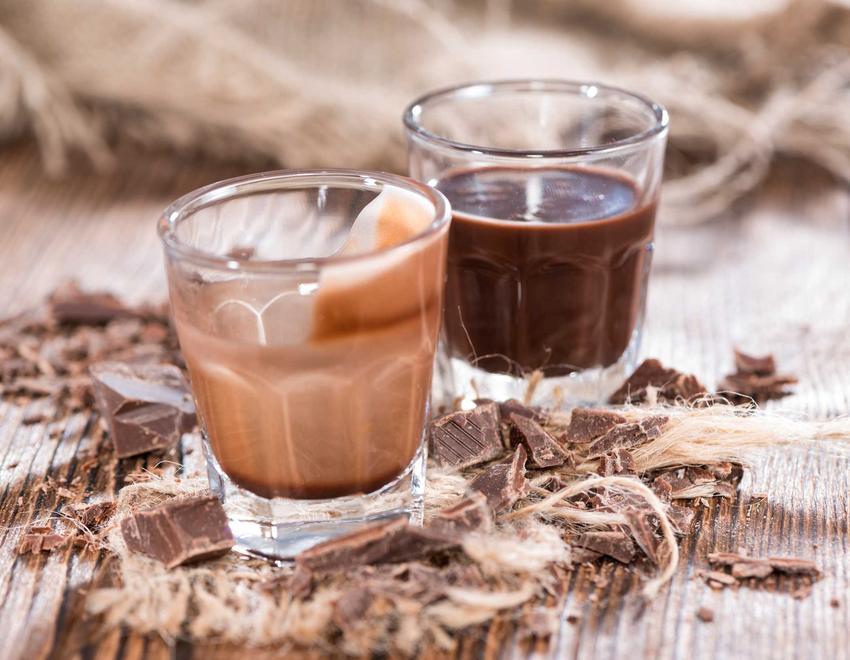 Nalewka z kukułek czy tez likier z kukułek na wódce z dodatkiem mleka lub bez oraz przepisy na kukułkówkę