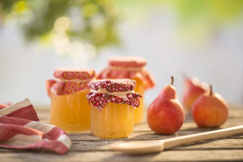 Konfitura z gruszek czy też dżem z gruszek lub powidła z gruszek w słoikach oraz najlepsze przepisy na przetwory