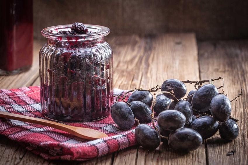 Przetwory z winogron w słoiku, na przykład powidła winogronowe czy też dżem z winogron oraz najlepsze przepisy