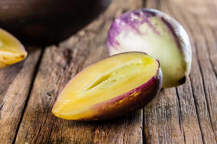 Owoc pepino, czyli miechunka jadalna lub psianka melonowa oraz owoc pepino gold i jego uprawa, pielęgnacja i sadzenie