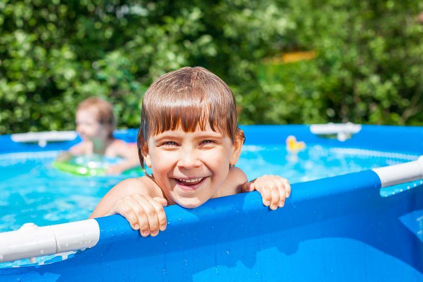 Dziecko w basenie, czyli basen ogrodowy dla dzieci czy basenik dla dzieci i polecane baseny dmuchane dla dzieci