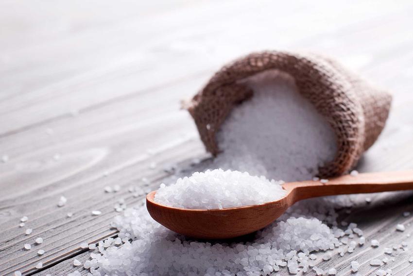 Sól do peklowania i solanka do mięsa, czyli zalewa do peklowania oraz peklowanie na mokro