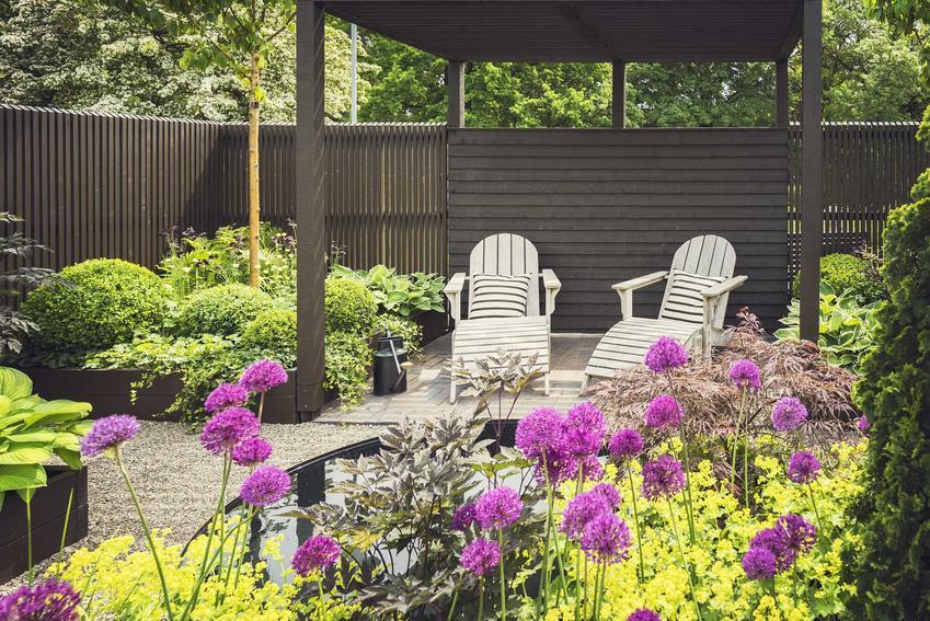 Tanie meble ogrodowe w ogrodzie oraz polecane zestawy ogrodowe oraz tanie meble tarasowe najlepsze do zastosowania w ogrodzie