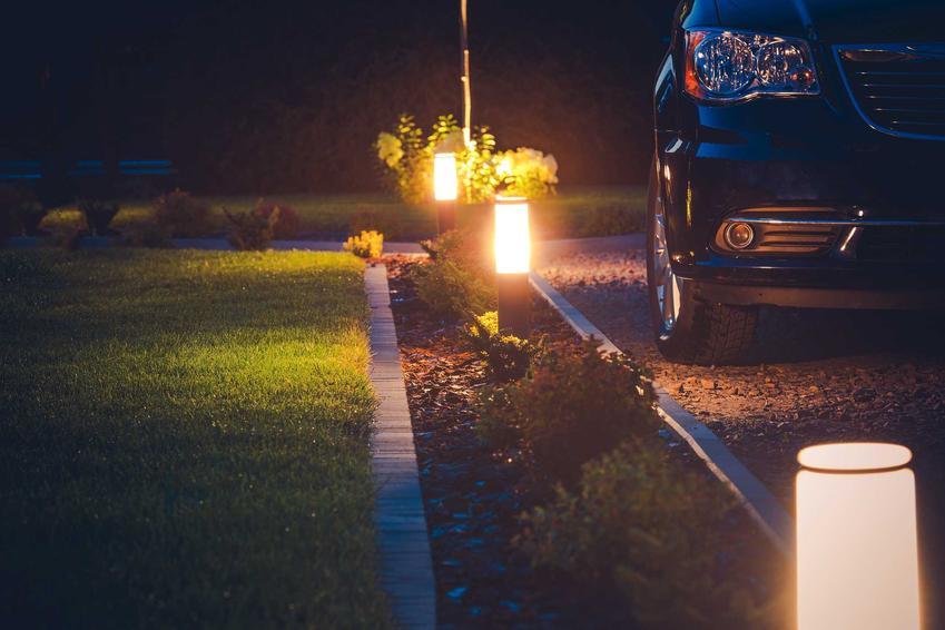 Oświetlenie podjazdu do garażu oraz oświetlenie ogrodu LED i inne lampy ogrodowe - opinie, ciekawe rozwiązania, projekty - porady