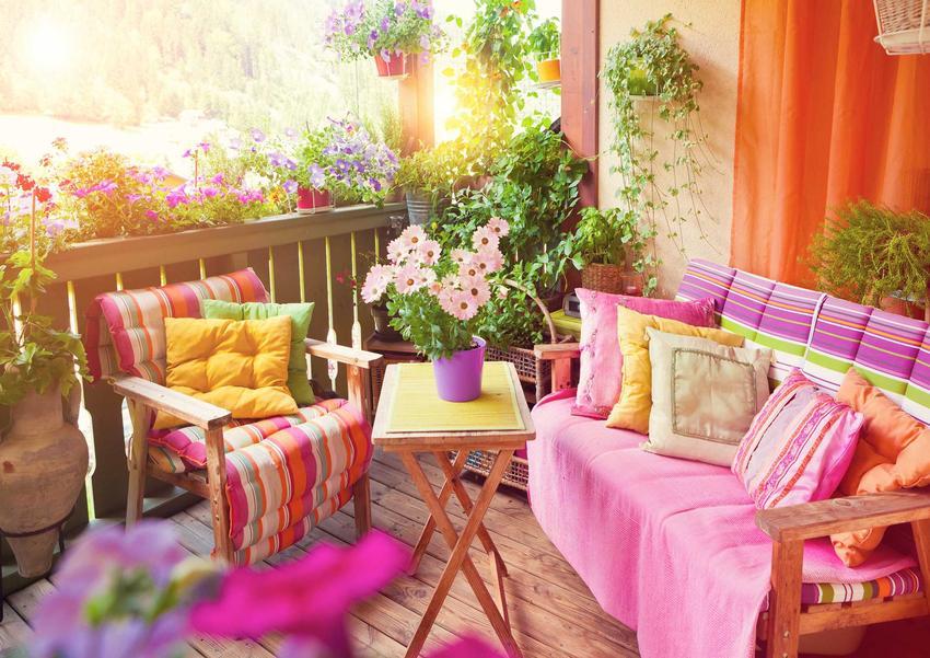 Meble balkonowe, czyli meble ogrodowe na balkon lub taras oraz porady, jak wybrać najlepsze meble balkonowe