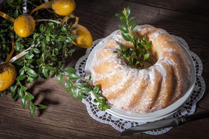Babka wielkanocna z pudrem, a także przepisy na ciasta na wielkanoc