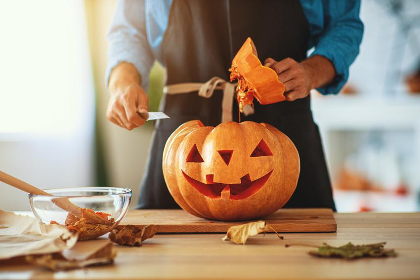 Wycinanie dyni na Halloween, a także porady jak wydrążyć dynię na halloween