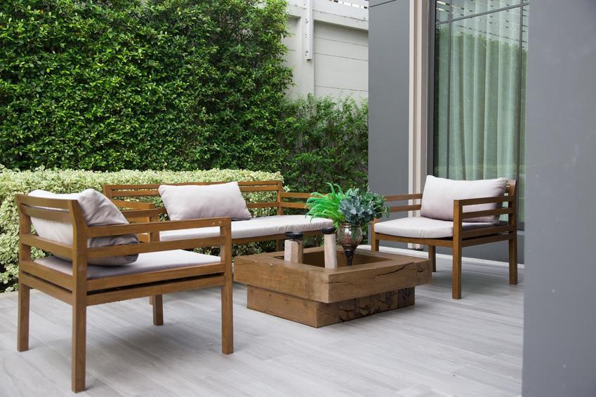 Meble ogrodowe drewniane jako meble tarasowe, a także polecane meble ogrodowe Jysk