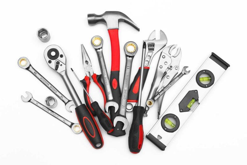 Co warto mieć w swojej skrzynce z narzędziami?