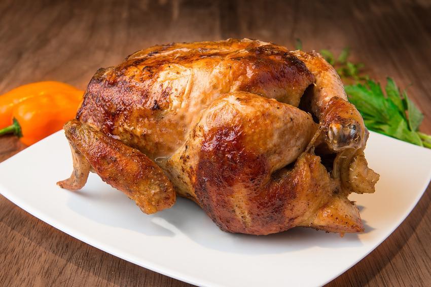 Kurczak z rożna w całości, a także najlepsza marynata do kurczaka i przepis na nią