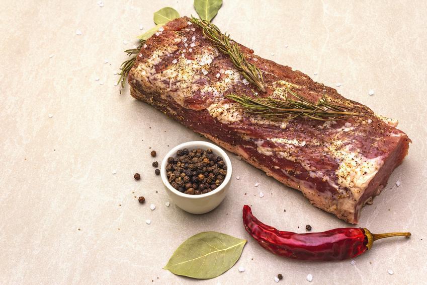 Schab zamarynowany w ziołach i przyprawach oraz marynata do schabu pieczonego