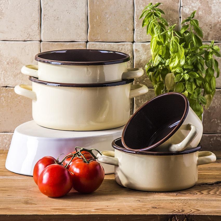 W czym gotowały nasze babcie? Kultowe wyposażenie kuchni