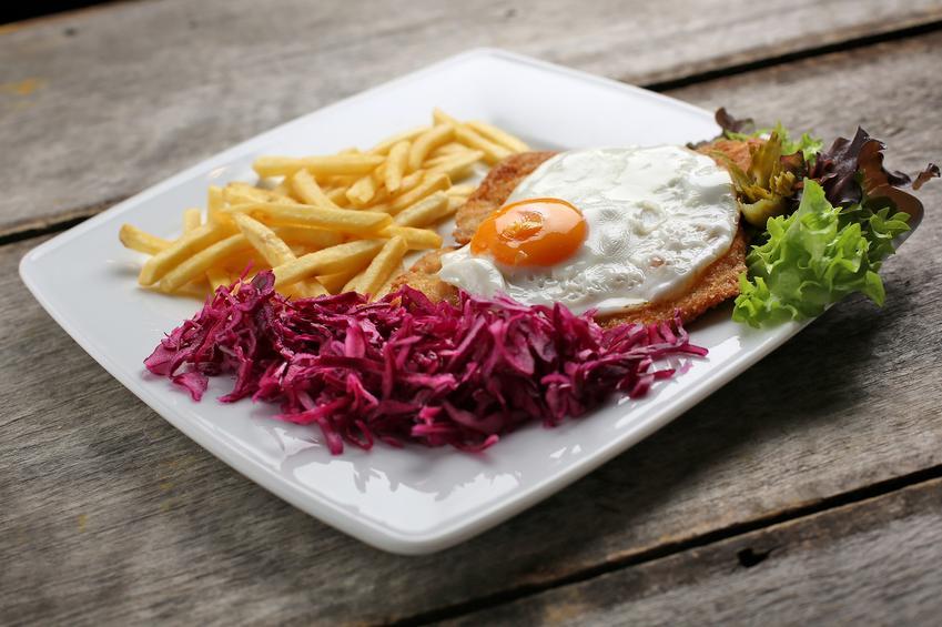 Zestaw obiadowy z czerwoną kaupstą, a także surówka z czerwonej kapusty i przepisy
