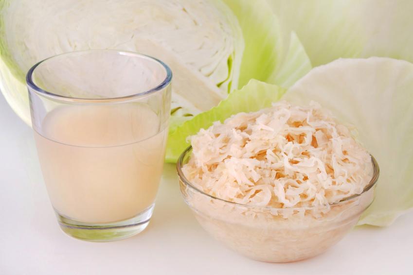 Sok z kiszonej kapusty oraz kapusta kiszona i świeża kapusta, a także właściwości odżywcze