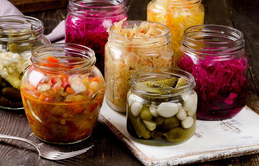 Kiszone warzywa w słoikach na zimę, czyli przepis na kiszonki z warzyw