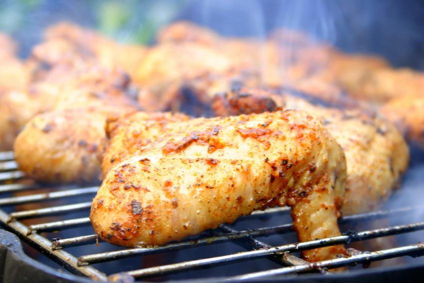 Skrzydełka z kurczaka, a na grillu, a także marynata do skrzydełek i przepisy