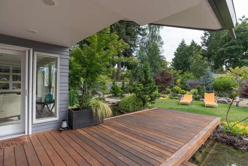 Pięknie zaaranżowany ogród oraz ile kosztuje projekt ogrodu i ile kosztuje wykonanie ogrodu