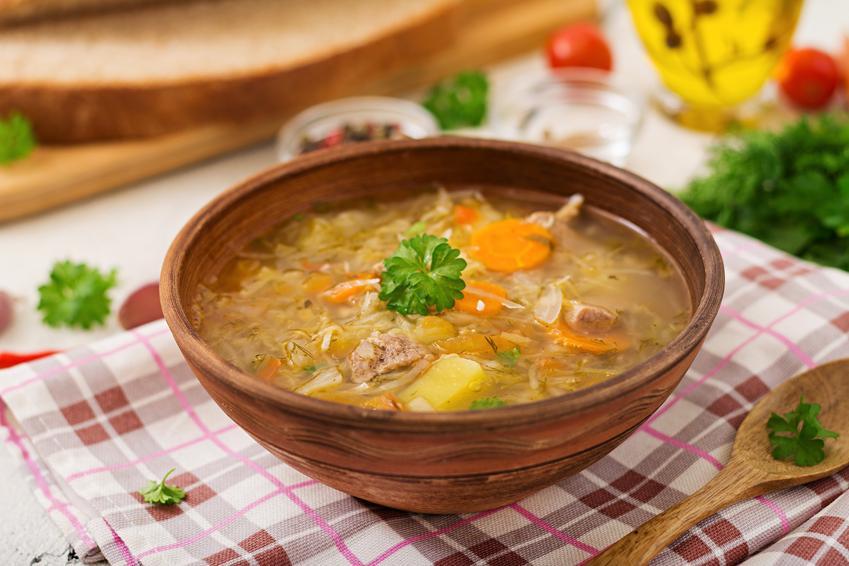 Gotowa zupa z kiszonej kapusty, a także zupa kapuściana i najlepsze przepisy