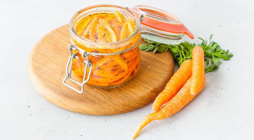 Marchew w słoikach na zimę, czyli kiszona marchewka i przepisy