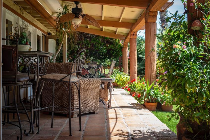 Sprawdzone sposoby na zaaranżowanie balkonu lub tarasu