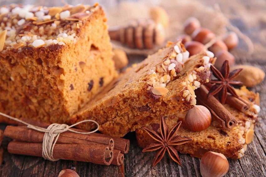 Piernik świąteczny na Boże narodzenie z cynamonem i anyżem, a także przygotowanie, przepis i składniki