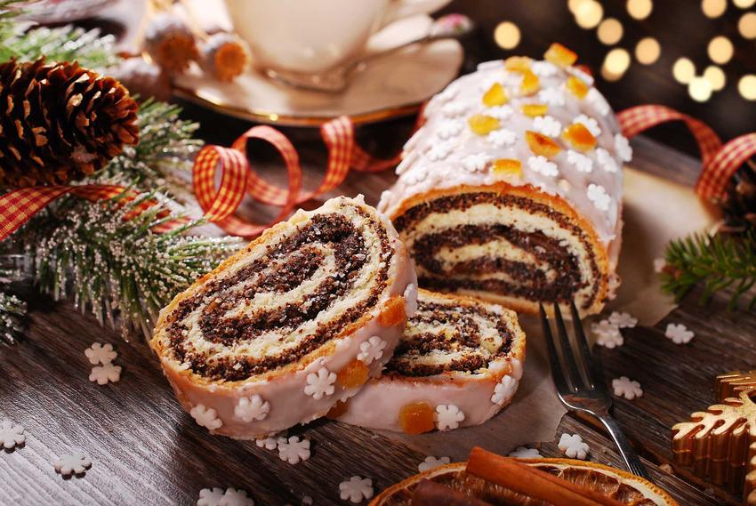 Zawijany makowiec polany lukrem, a także inne świąteczne przepisy oraz wykonanie i przygotowanie