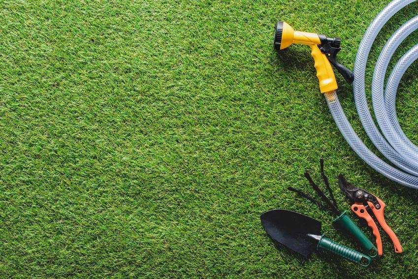 Hydrożel przy zakładaniu trawnika
