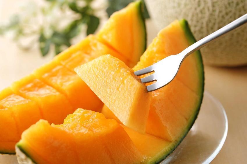 Sprytny sposób na obieranie i jedzenie melona, a także jak obrać melona - najlepsze sposoby i porady na obieranie melona