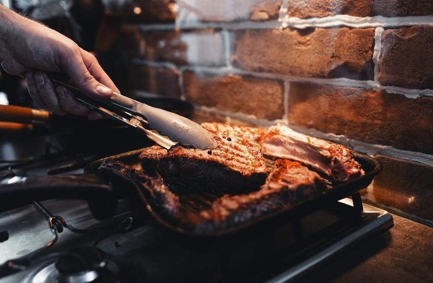 Patelnia grillowa - sposób na dietetyczne gotowanie