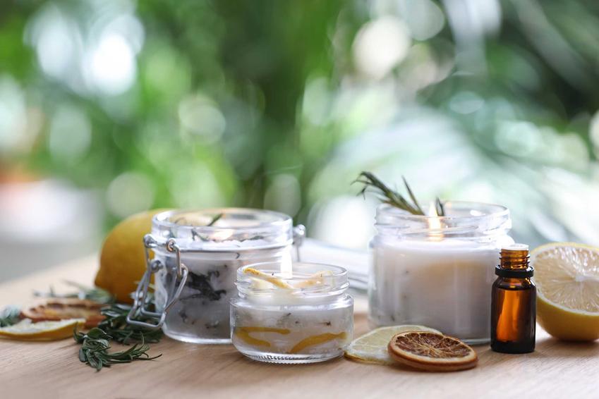 Świeczki zapachowe oraz olejki, a także inne domowe sposoby na komary, czyli ekologiczne sposoby na zwalczanie komarów