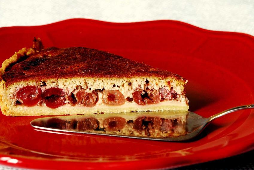 Ciasto kruche z czereśniami, a także TOP 5 przepisów na szybkie, smaczne i wyjątkowe ciasto z czereśniami