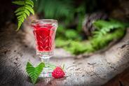 Nalewka z malin na wódce lub spirytusie - właściwości i przepis krok po kroku