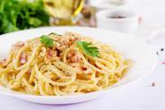 Spaghetti carbonara w tradycyjnym i nietypowym wydaniu