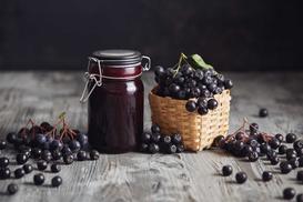 Dżem z aronii – najlepsze przepisy na przetwory z aronii oraz aronii i jabłek