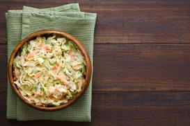 Sałata pekińska w kuchni - przepis na dania i surówki